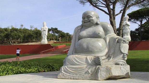 Visite o Jardim da Paz, maior Jardim Oriental da Europa!  -  Estadia no Água DAlma Hotel 3* com entradas no Budha Eden!
