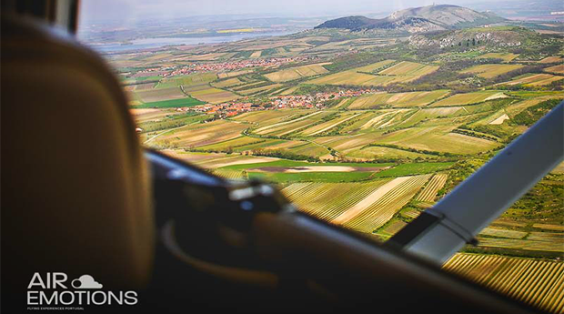 Sobrevoa Sintra ou Portimão numa Experiência Inesquecível!