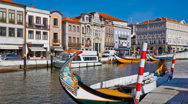 Cruzeiro na Veneza Portuguesa em Moliceiro com Degustação de Ovos Moles para 2 ou 4 Pessoas!