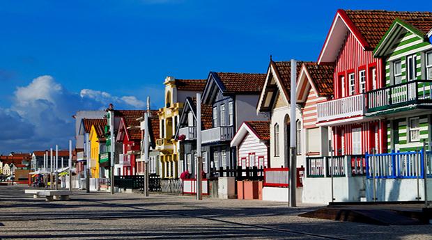 Aveiro & Moliceiro -  Até 2 Noites no Aveiro City Lodge com Passeio pela Ria!!