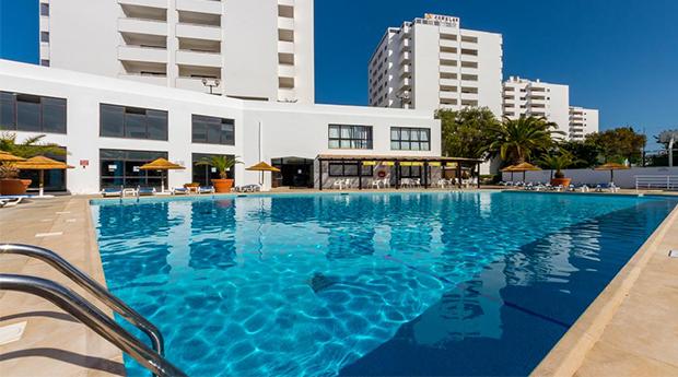 Albufeira - Hotel Janelas Do Mar 3* -  Férias No Algarve Aos Melhores Preços!!