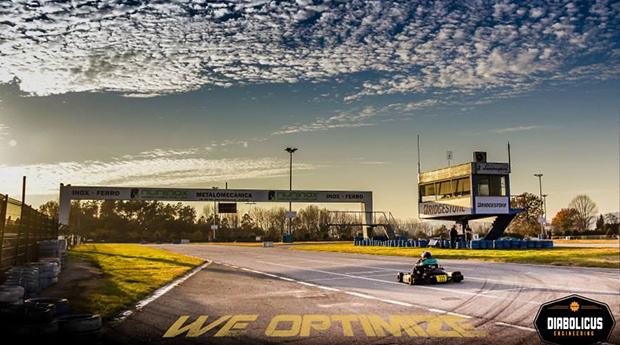 Experiência Kart de Competição 1 ou 2 Pilotos!