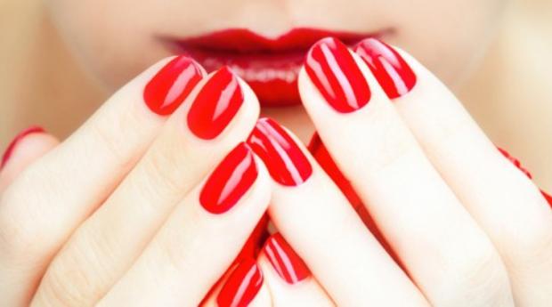 Manicure Completa com Aplicação de Verniz de Gel!