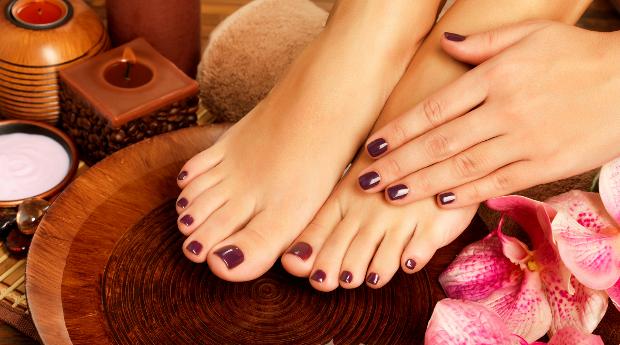Manicure e Pedicure com Aplicação de Verniz de Gel!