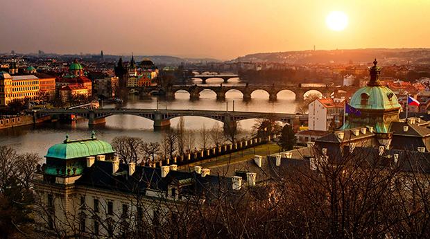 Praga a Cidade das 100 Cupulas! Estadia de 3 Dias em Hotel 4**** e com Cruzeiro!