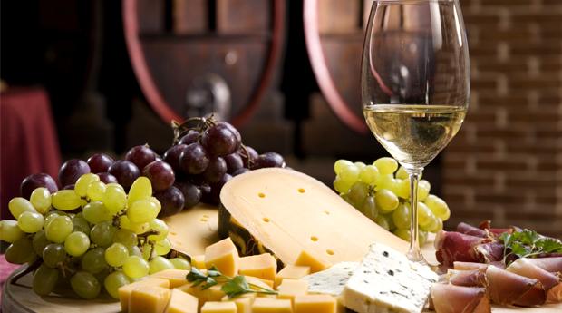 SERRA DA ESTRELA -  1, 2 ou 3 Noites Com Degustação de Vinhos e Produtos Regionais!
