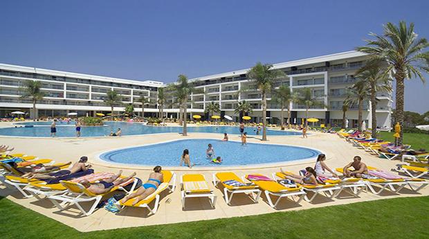 Algarve Páscoa! 7 Noites para 4 Pessoas no Hotel Apartamento Alto da Colina 4*!