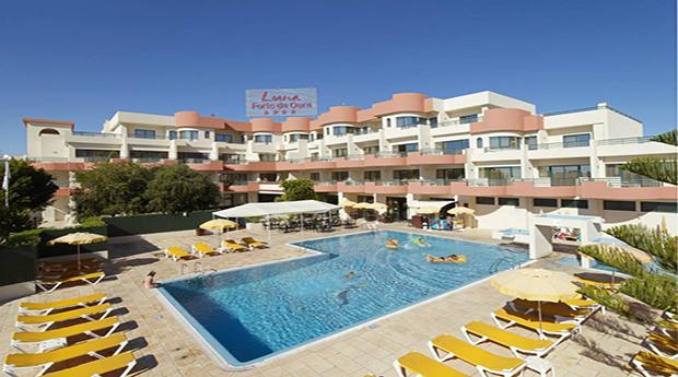 Algarve -  7 Noites no Hotel Luna Forte da Oura 4* para 4 ou 6 Pessoas!