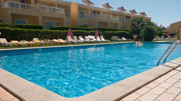 Algarve Agosto Incluído -  3, 5 ou 7 Noites em Apartamento T1 para 4 Pessoas no Villas Barrocal!