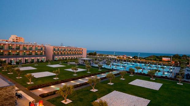 Algarve - 3, 5 ou 7 Noites em Regime de Meia Pensão no Hotel Vila Galé Lagos!