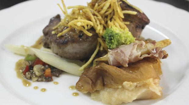 Almoço de Páscoa à Discrição com Buffet de Entradas, Cabrito e Vitela no Forno, Bacalhau com Broa e Buffet de Sobremesas!