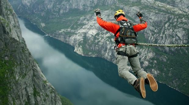 Sente a Pura Adrenalina -  Salto Pendular para 1 ou 2 Pessoas em Santa Maria da Feira!