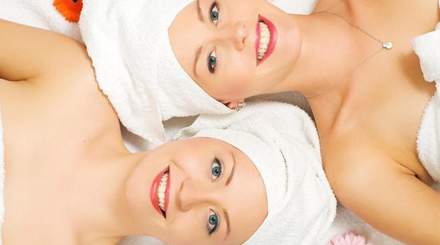 Especial Dia da Mãe! Massagem de Relaxamento Mãe e Filha Com Oferta de Perfume CK One em Loures!