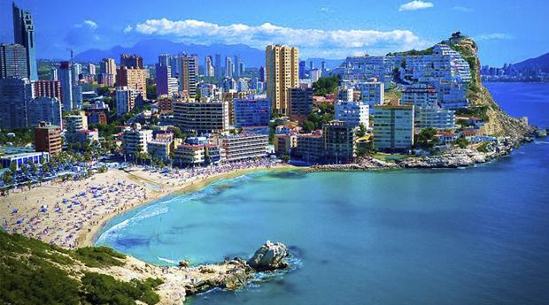 Benidorm Agosto Incluído -  5 ou 7 Noites para 4 Pessoas nos Apartamentos Torres DOboe!