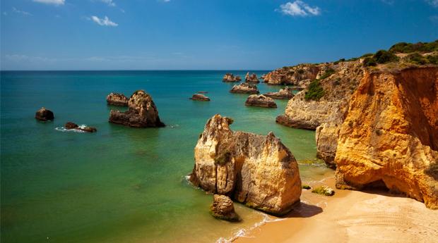 Super Preço, Algarve Tudo Incluído -  2 a 7 Noites, 4 Pessoas com Tudo Incluído no Clube Praia da Rocha!