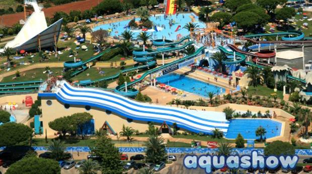 Super Preço, Aquashow Verão -  Entradas no Aquashow Park e Estadia de 1,2, 3, 5 ou 7 Noites!