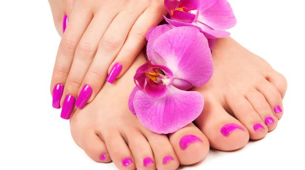1 ou 3 Sessões de Manicure e Pedicure em Telheiras!