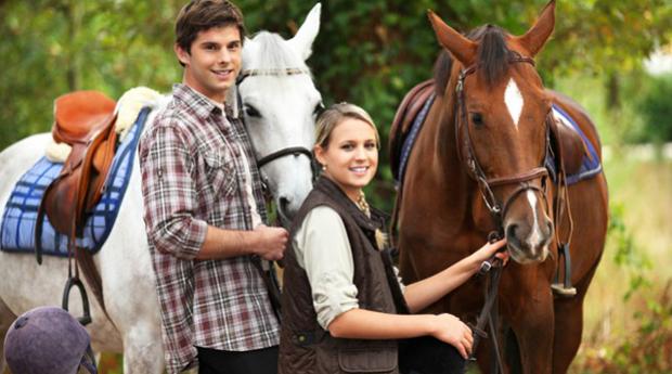 Passeio Romântico a Cavalo com Piquenique para 2 Pessoas em Aveiro!