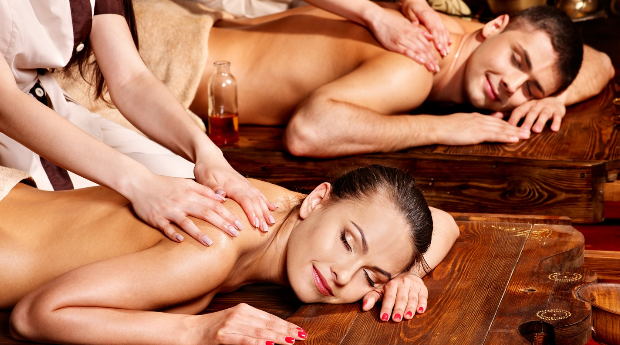 1 ou 2 Massagens de Óleos Quentes a Dois com Ritual de Chá no Porto!