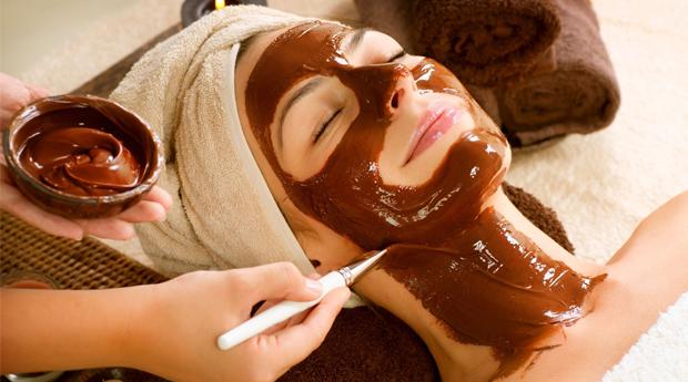 Massagem com Envolvimento e Máscara de Chocolate para Casal no Estoril!