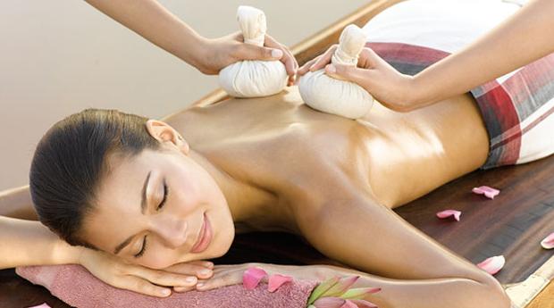 Momento Pure Pleasure! Massagem de 90 Minutos à Escolha com Pedras Quentes, Bambus ou Pindas no Seixal!