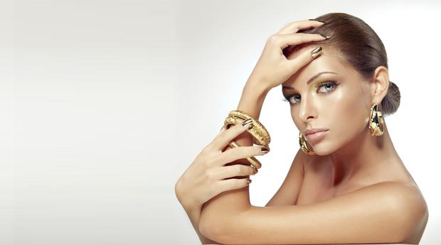 Manicure Completa com Hidratação, Massagem e Aplicação de Verniz de Gel na Boavista!