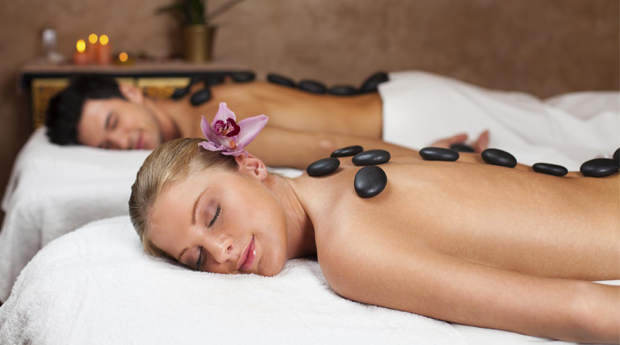 Massagem de Relaxamento a Dois! Ritual de Fondue de Chocolate e Morangos no Estoril!