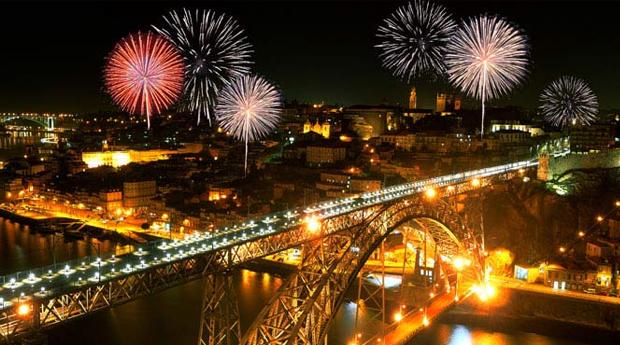 RÉVEILLON no Porto em Hotel 4* -  1 ou 2 Noites com Jantar de Gala no  Holiday Inn Porto Gaia!