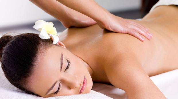 Massagem de Relaxamento às Costas  com Bálsamo terapêutico na Boavista!