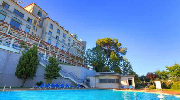 Réveillon em Hotel 4* -  Noite com Jantar de Gala e Almoço de Ano Novo no Tulip Inn Estarreja Hotel & Spa 4*!