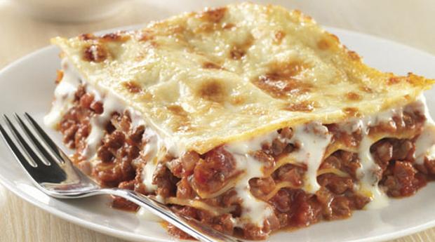 Menu para Toda a Família! Hambúrguer, Bolonhesa ou Lasanha para 3 ou 4 Pessoas em Matosinhos!