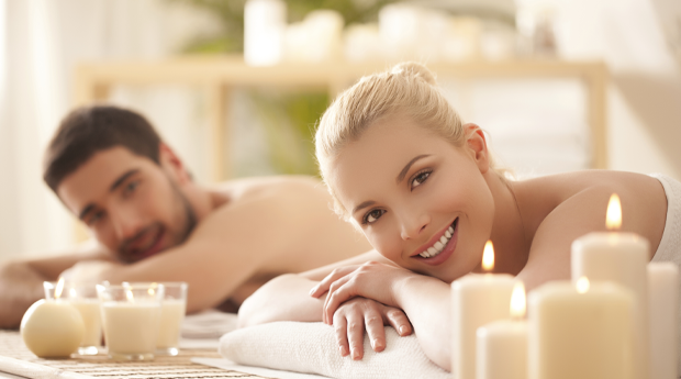 Ritual Romeu & Julieta! Massagem a 2 com Spa de Mãos, Máscara Facial e Almofada Terapêutica na Boavista!