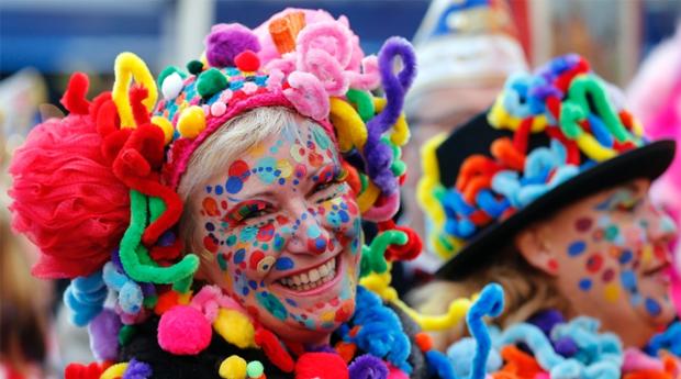 Carnaval em Albufeira -  2 Noites até 4 Pessoas em Apartamento com Jantar nos Jardins da Balaia!